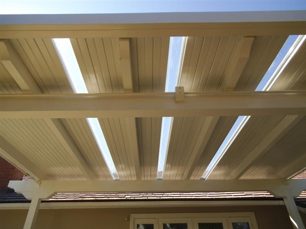 Solid-Aluminum-Awnings