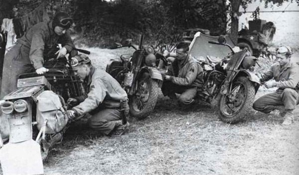 Military Motorcycle - Harley Liberator Maintenance 1944