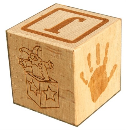 Engraved wooden cubes 04
