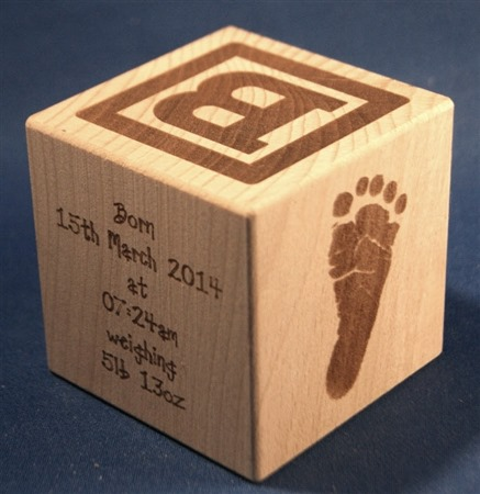 Engraved wooden cubes 06