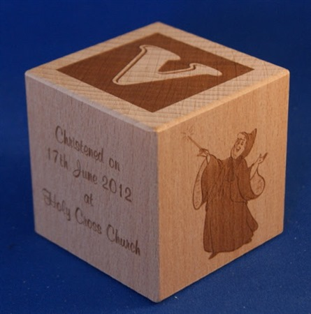 Engraved wooden cubes 18