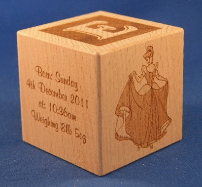 Engraved wooden cubes 22