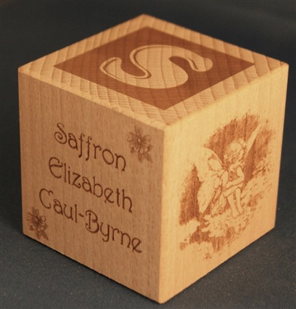 Engraved wooden cubes 32