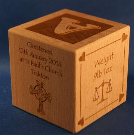 Engraved wooden cubes 48