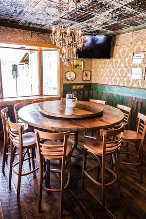 Burnsville - Clive's Restaurant