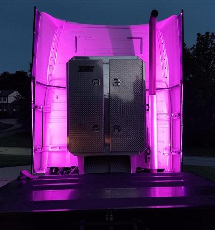 Volvo VNL 780 / 670 Fairing Extension LED Light Kit
