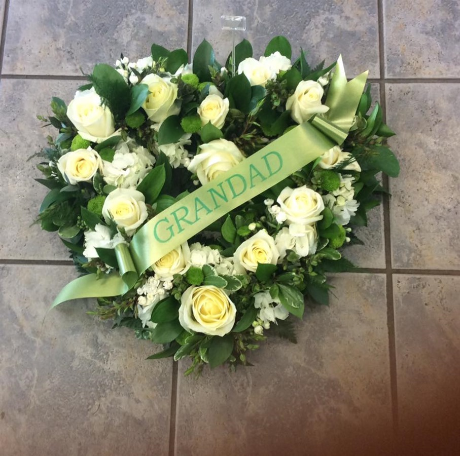 Molly blooms ltd penketh funeral flowers penketh flowers izmirmasajfo