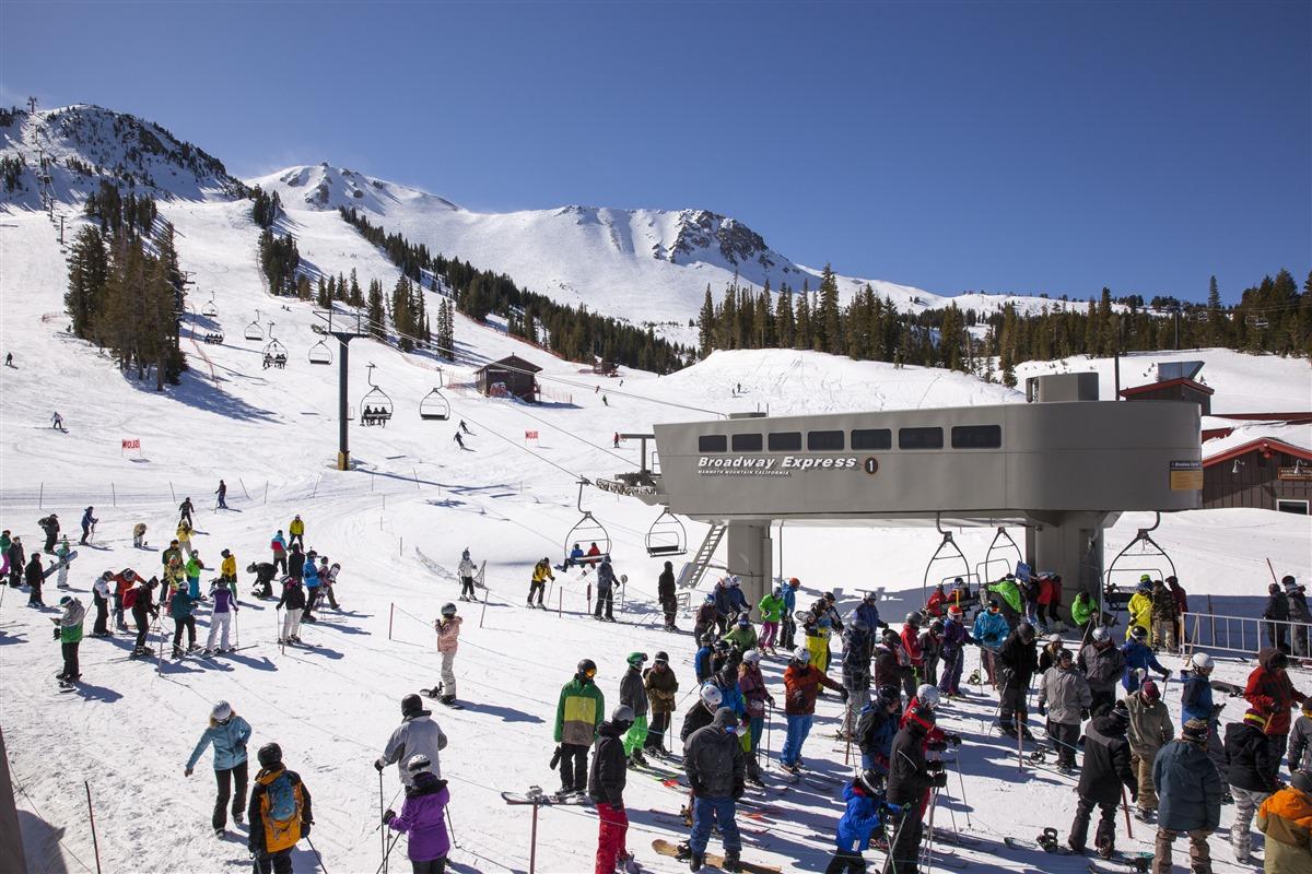 mammoth lakes trail system   mammoth mountain ski area main lodge