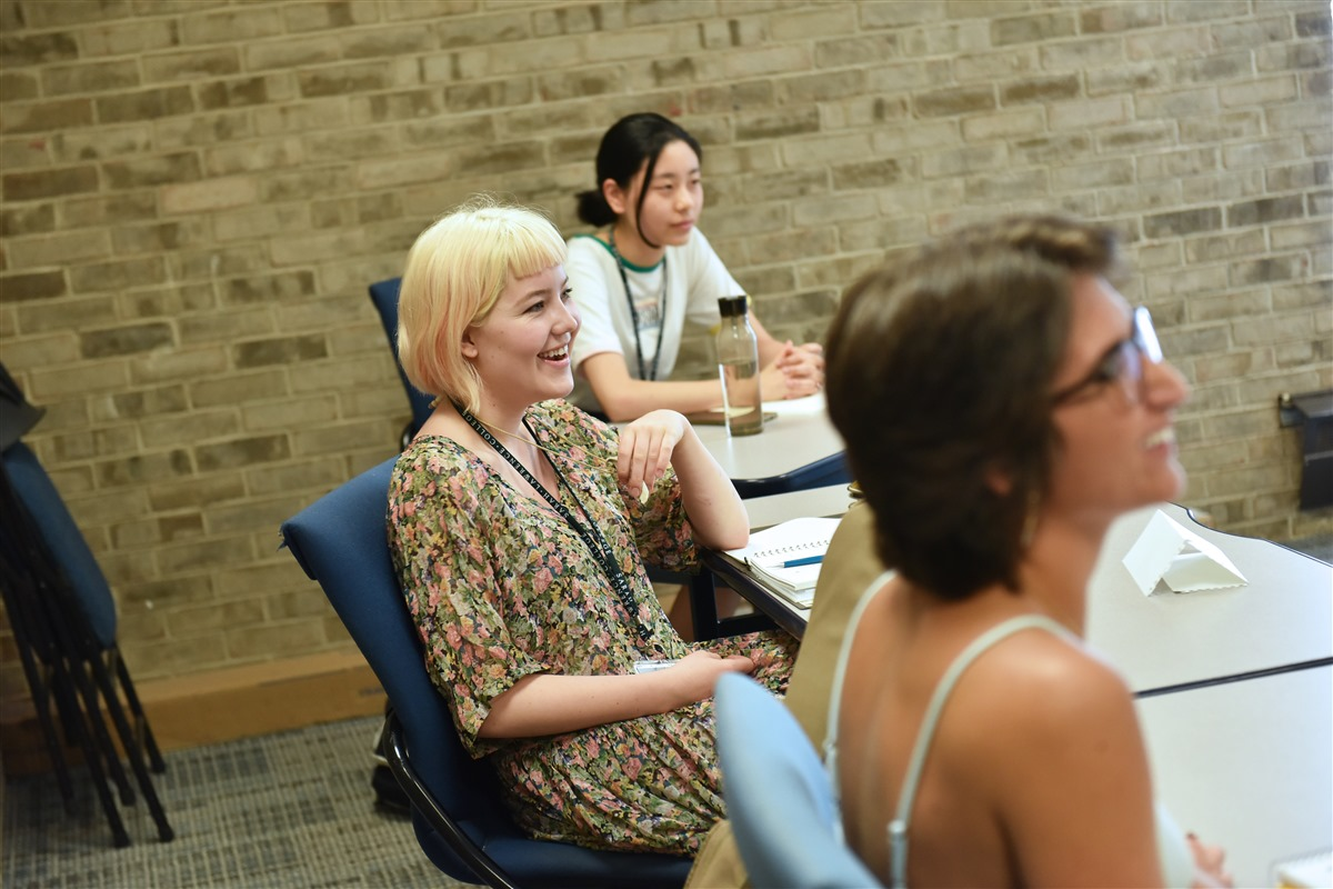 creative writing new york summer Paid summer internships in new york city museums for undergraduates from  diverse cultural backgrounds who have financial need limited to residents of  new.